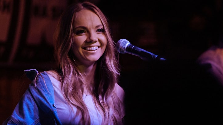 See Danielle Bradbery's Slow-Burning 'Worth It' on 'Today'