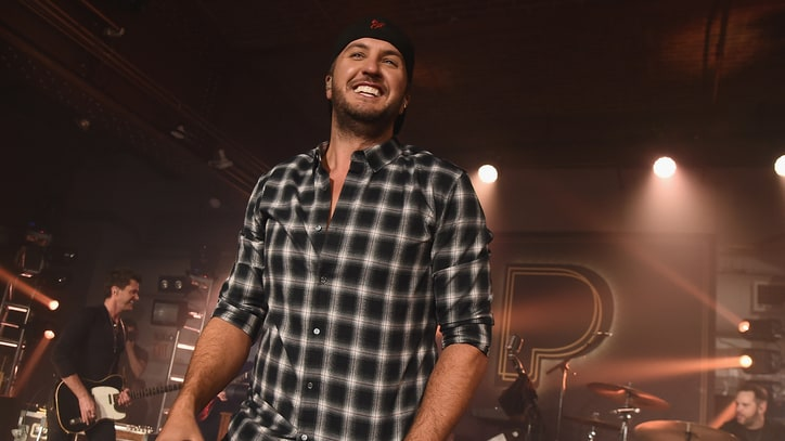 Luke Bryan Mines Hits, Teases New Album at New York City Concert