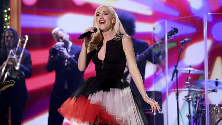 Watch Gwen Stefani Perform Sixties-Inspired Christmas Song on 'Fallon'