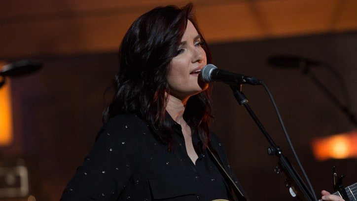 Watch Brandy Clark Perform Single Mother Anthem 'Three Kids No Husband'
