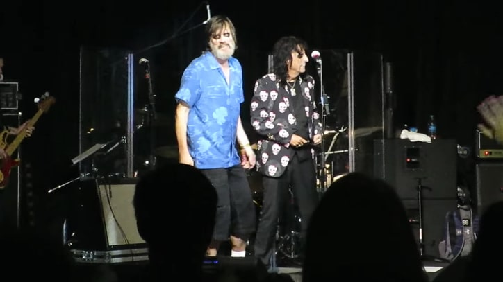 Watch Jim Carrey Perform With Alice Cooper at Hawaii Benefit Gig