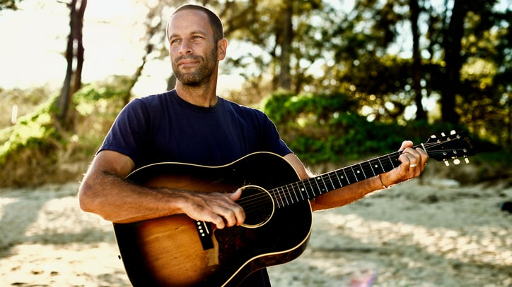 Jack Johnson Unveils New Song 'Fragments,' Talks Short Film, Summer Tour