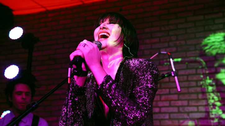 See Yeah Yeah Yeahs Celebrate 'Fever to Tell' With First Show in Four Years