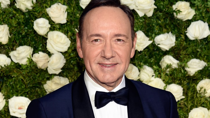 Kevin Spacey Will Seek Treatment Amid Growing Misconduct Accusations