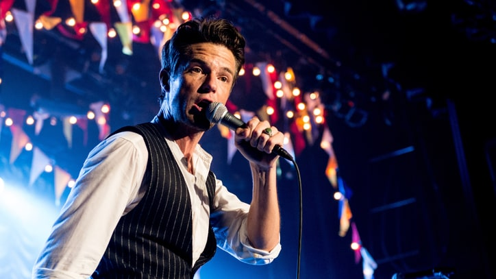 Watch the Killers' Rousing Cover of David Bowie's 'Fame'
