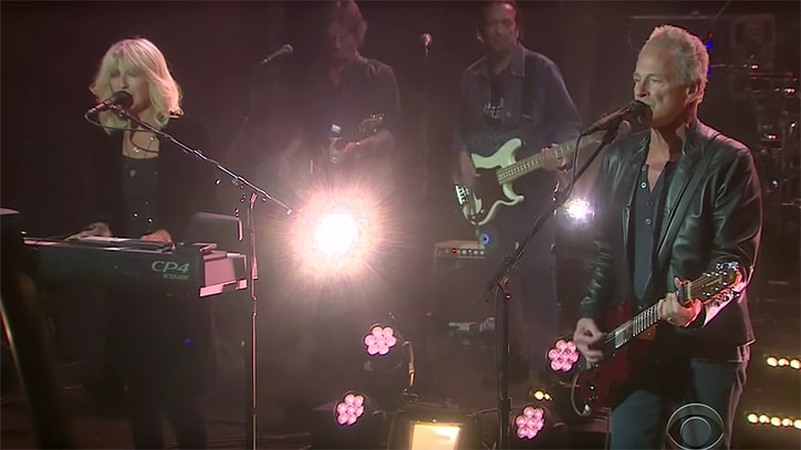 See Lindsey Buckingham, Christine McVie Perform Upbeat 'Lay Down for Free'