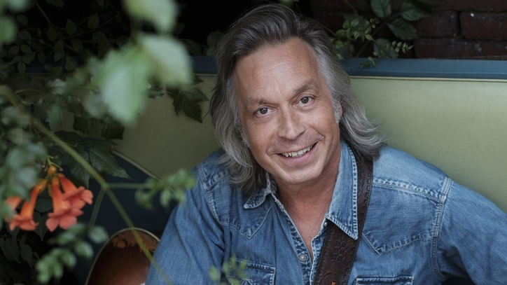 Hear Jim Lauderdale's Celebratory New Song 'This Changes Everything'