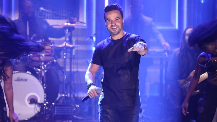 See Luis Fonsi's Exuberant 'Despacito' on 'Fallon'
