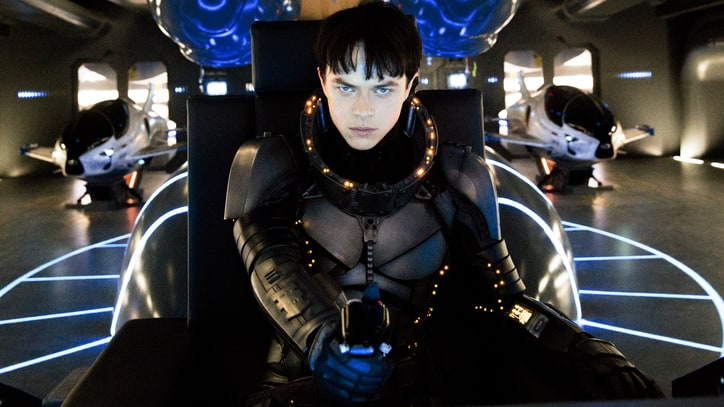 'Valerian and the City of a Thousand Planets' Review: Luc Besson Makes a Sci-Fi Mess