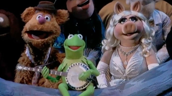 Watch Muppets Sing 'Rainbow Connection' at Hollywood Bowl Concert