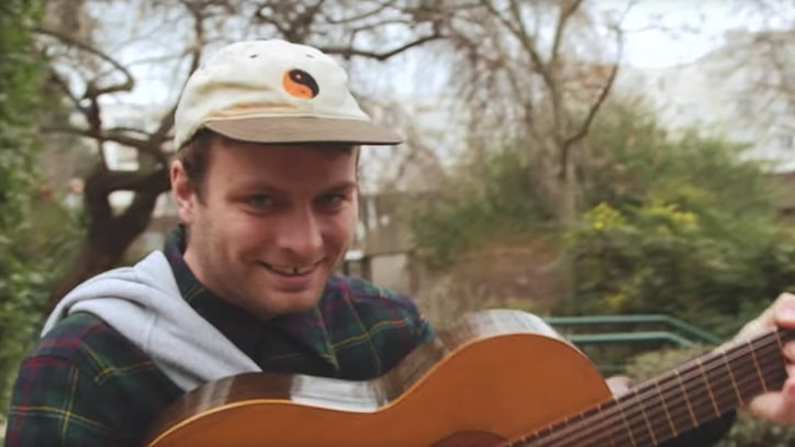 See Mac DeMarco Perform Acoustic Songs While Strolling French Dog Park