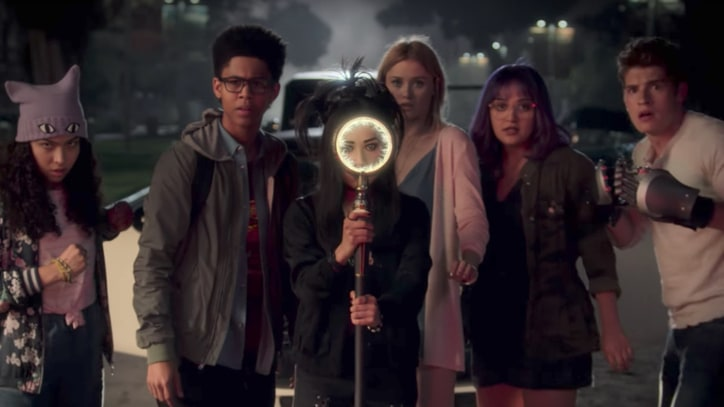 Watch Mysterious New Trailer for Marvel's 'Runaways'