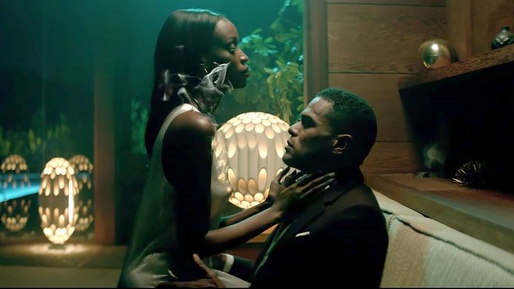 See Maxwell's Steamy, Falsetto-Laden '1990x' Video