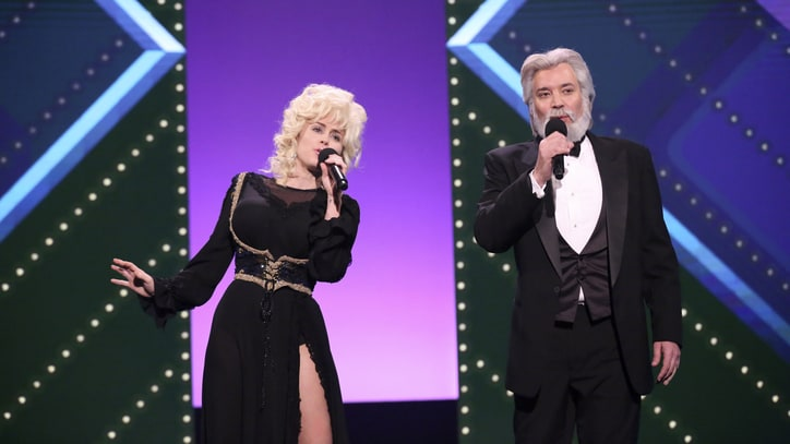 Watch Miley Cyrus, Fallon Duet as Dolly Parton, Kenny Rogers