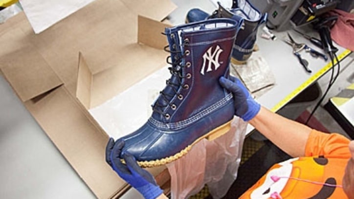 Derek Jeter's Final Farewell Gift: Duck Boots From The Red Sox