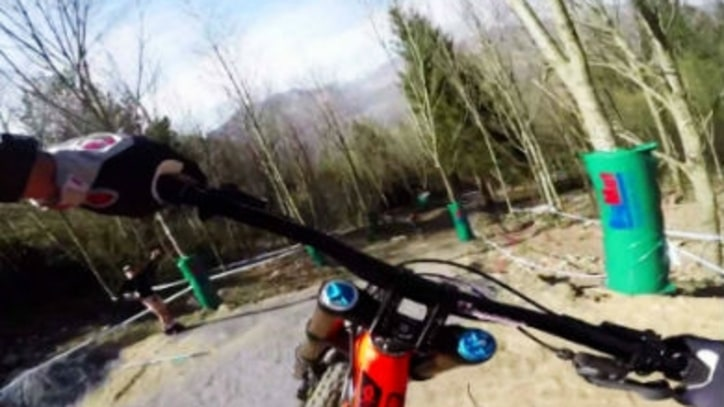 Watch a DH Mountain Bike Course Preview That's More Exciting Than the Race