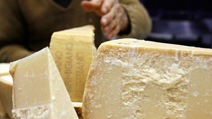 How to Find Authentic Parmigiano-Reggiano