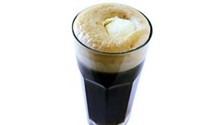The Rum and Coke Ice Cream Float: Frozen Nostalgia with a Kick