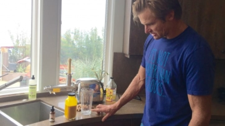 Laird Hamilton's Inflammation-Fighting Turmeric Juice Recipe