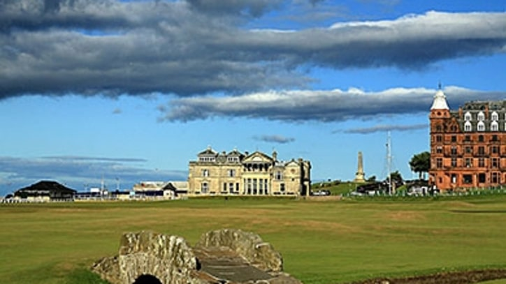 Jordan Spieth Chases History on St. Andrews's 18th Hole