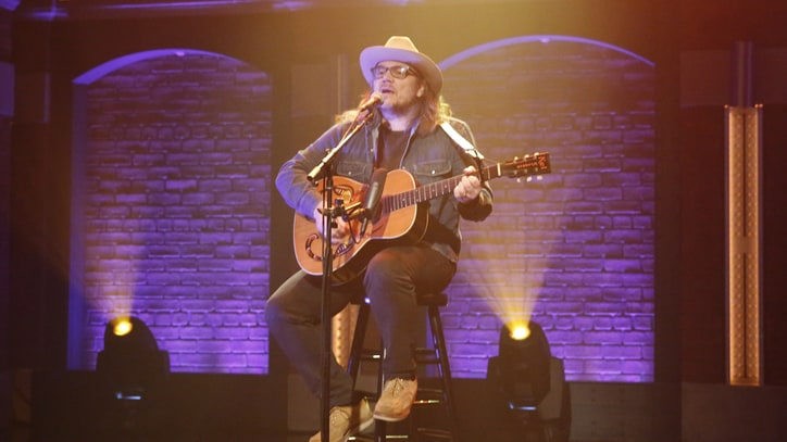 See Jeff Tweedy's Stirring Solo Acoustic Performance on 'Seth Meyers'