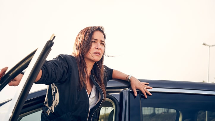 Pamela Adlon on 'Better Things,' Single Mom Guilt and Feeling 'Like a Dude'