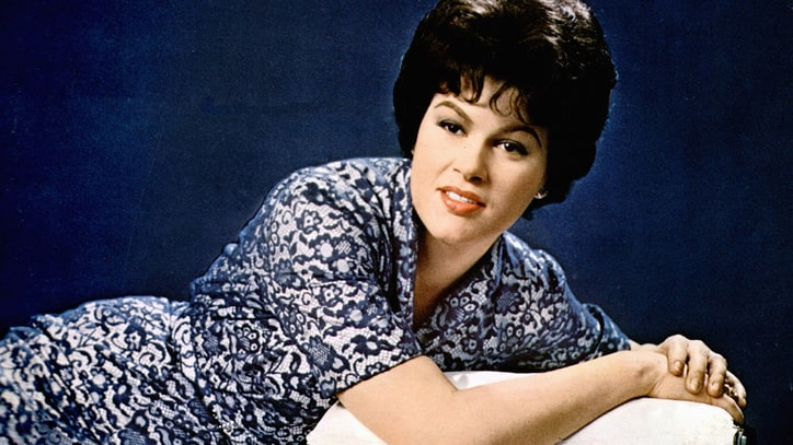 Flashback: See Patsy Cline's Rare 1960 'Jubilee' TV Appearance