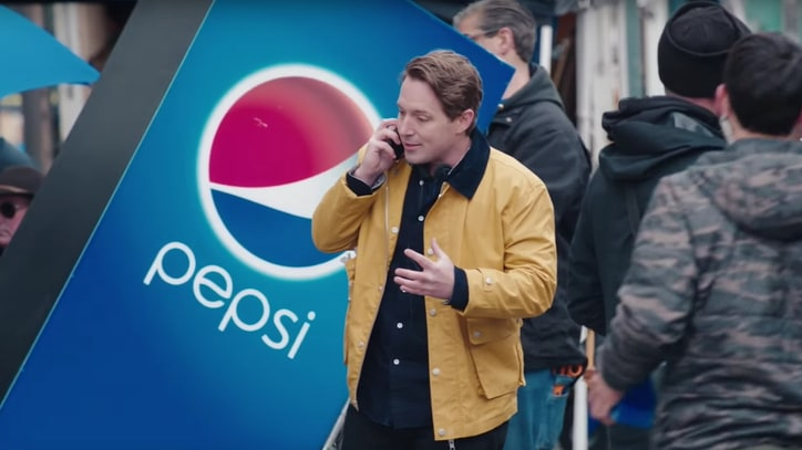 Watch 'SNL' Spoof Kendall Jenner's 'Tone-Deaf' Pepsi Ad