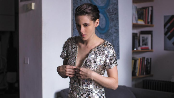'Personal Shopper' Review: Kristen Stewart's Existential Ghost Story Is Pure Cinema