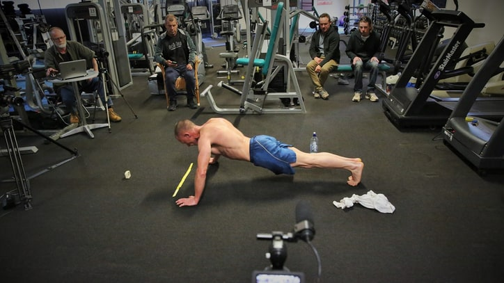 The Man Who Cranked Out 2,220 Push-Ups in an Hour
