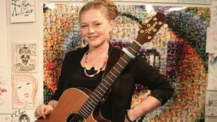 Exclusive Performance: Crystal Bowersox Rocks At Yahoo!
