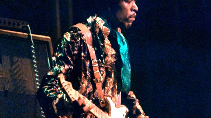 a biography of jimi hendrix a great rock guitarist Born in 1942, in seattle, washington, jimi hendrix learned to play guitar as a teenager and grew up to become a rock legend who excited audiences in the 1960.