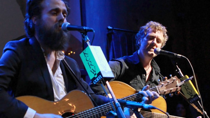 Iron and Wine and Glen Hansard Unite for Intimate Club Gig
