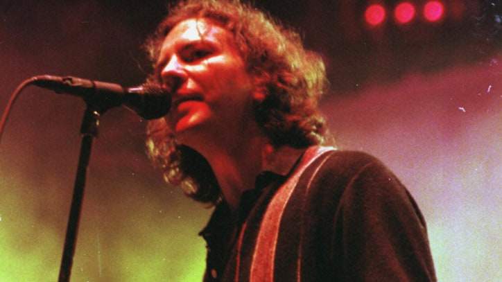 Justice Department Drops Investigation Into Pearl Jam's Ticketmaster Claim