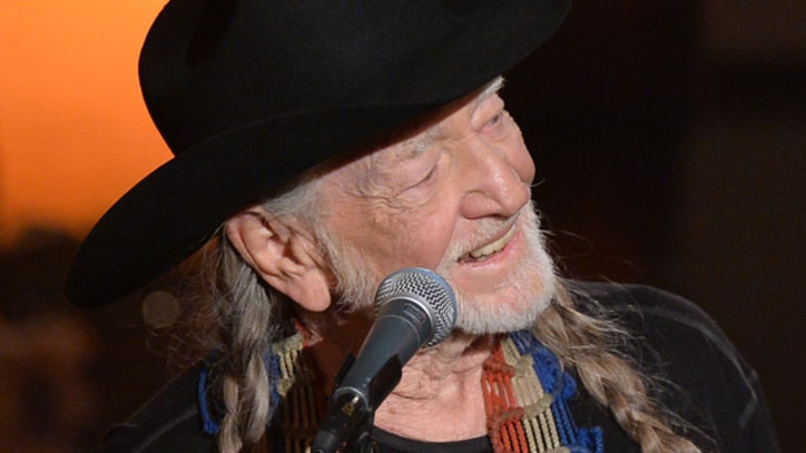 Willie Nelson Rings in 80th Birthday With Norah Jones, Sheryl Crow