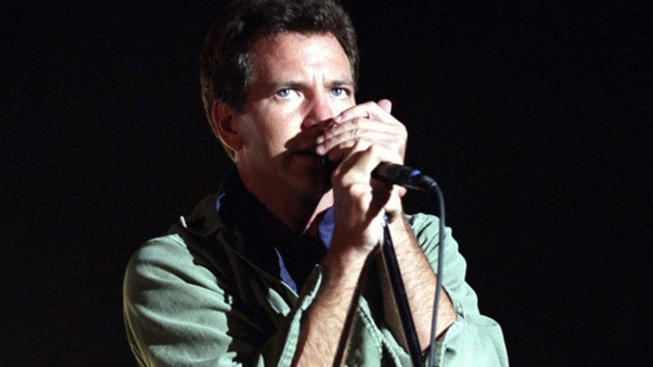 Pearl Jam, Eagles, Natalie Merchant, More Flee Labels