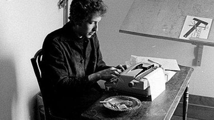 Bob Dylan Signs Six-Book Deal