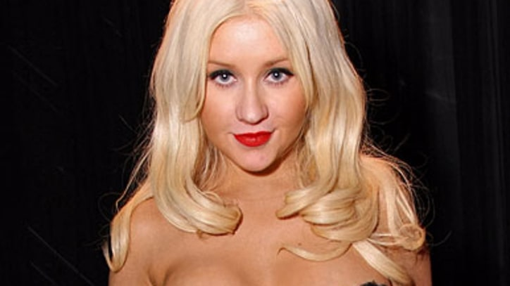Christina Aguilera Passes Out in Jeremy Renner's Bed