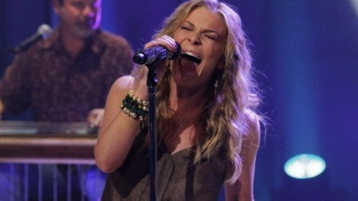 LeAnn Rimes Debuts Angry Performance of 'Spitfire'; Denies It's About Brandi Glanville