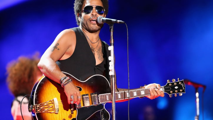 Lenny Kravitz Struggles at Surprise CMA Fest Appearance