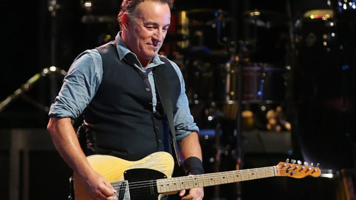 Bruce Springsteen Dedicates 'Born to Run' to James Gandolfini