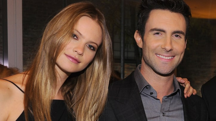 Adam Levine Engaged to Victoria's Secret Model