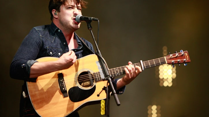 Mumford & Sons Graduate to the Main Stage at Lollapalooza
