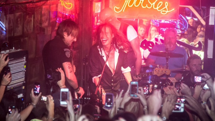 Keith Urban Jams With Steven Tyler at Nashville Honky Tonk