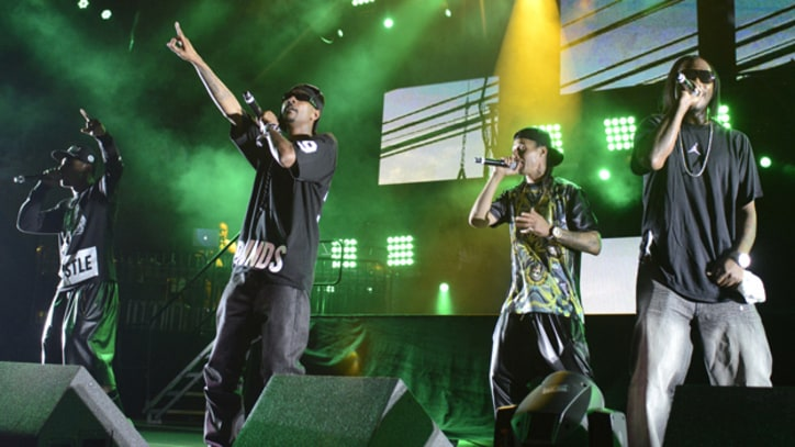 Bone Thugs-N-Harmony Perform With Eazy-E Avatar at Rock The Bells