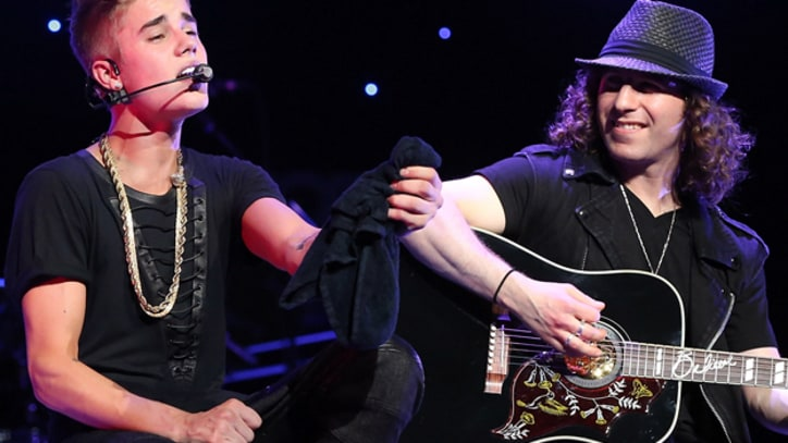 Justin Bieber's Musical Director Dan Kanter Jams With Bob Weir