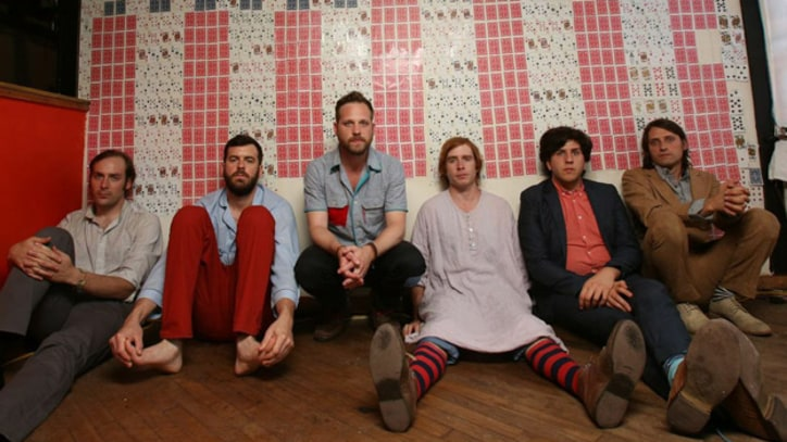 Dr. Dog Build 'B-Room' From the Ground Up - Album Premiere