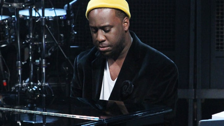 Robert Glasper Experiment Proclaims 'I Stand Alone' - Song Premiere