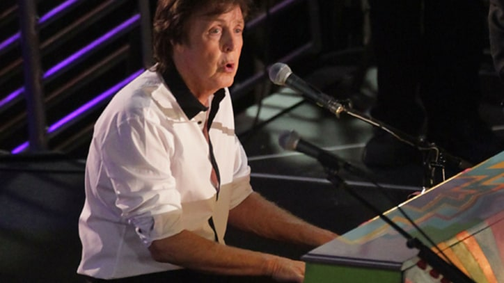 Paul McCartney Shuts Down Hollywood Boulevard
