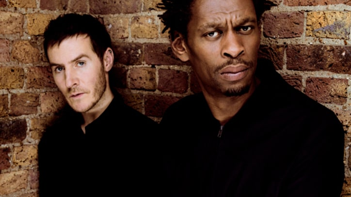 Massive Attack Cover Streisand, Nirvana in Provocative New Show